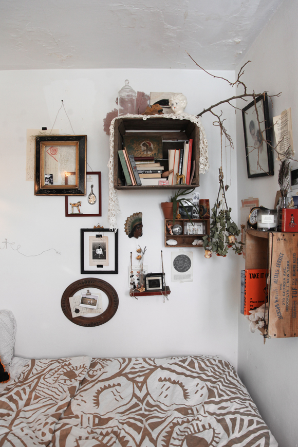 Interior styling kellyn walker graphic designer for Eclectic style home decor